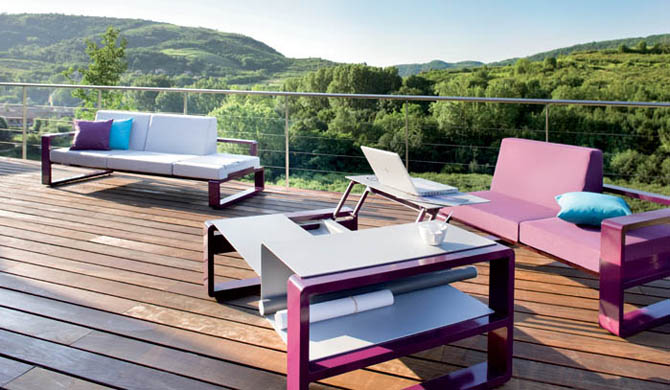 10 modern furniture designs for your deck yvette for Designer outdoor furniture